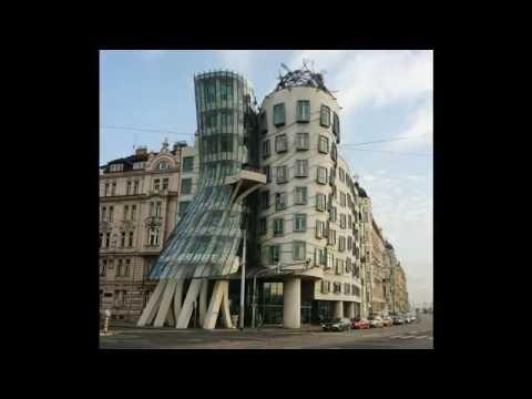 Tourist Dancing House