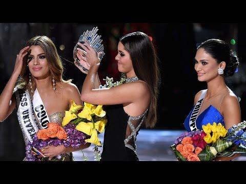 Steve Harvey Crowns WRONG Winner During Miss Universe 2015 & Hilarious Internet Memes