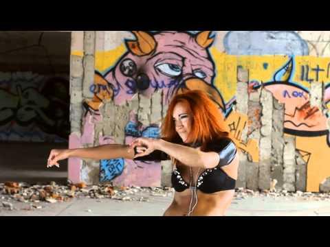 Go Go Dance:  Vika Konvisar *MAGNET*