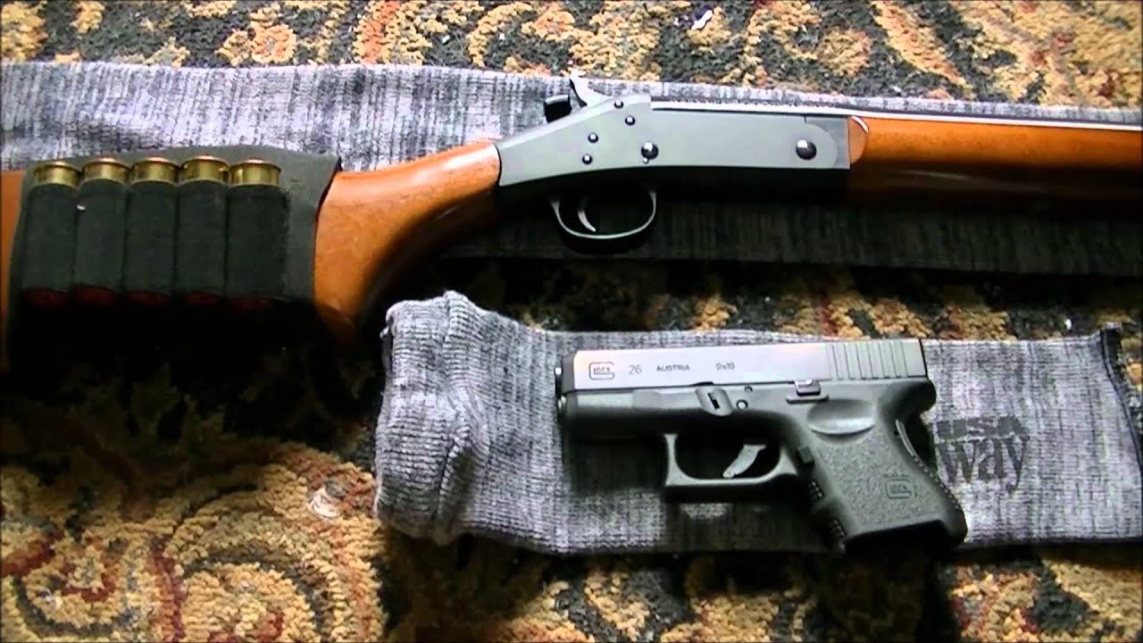 handgun vs no handgun Both of these handguns are proven fighting pistols that have performed with stellar reliability in the very worst of environments to help you decide which might be best for you, we'll get into the differences in detail.
