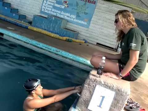 Entrenamiento técnico Maria Paz Muñoz con April Smith  -  Piscina Pura Vida