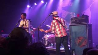 Turnpike troubadours - before the devil knows you're dead