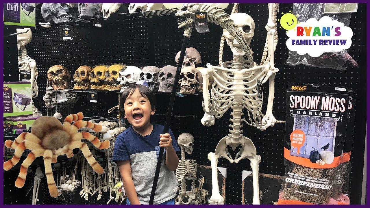 Skeleton Family Halloween Costumes.Shopping For Halloween Costumes Family Fun Kids Playtime And Toy Hunt