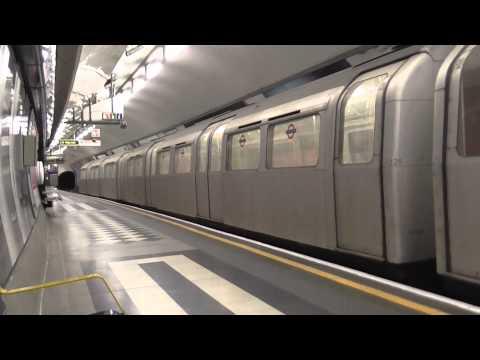 London Underground - Aldwych 1972 Tube Stock departing Holborn