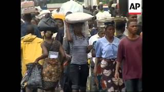 Liberia remains divided, protests over lack of food, looting