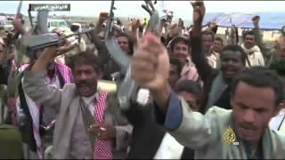 الاتحاد الأوروبي يفرض عقوبات على زعيم الحوثيين ونجل صالح