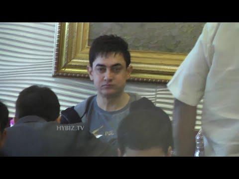 Amir Khan Tasted Paradise Biryani At Hyderabad-Hybiz.tv