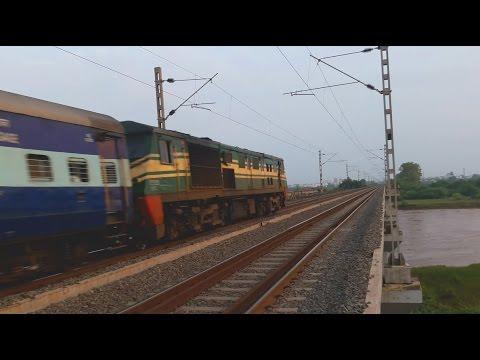 22634 Hazrat Nizamuddin Thiruvananthapuram Express with GOC WDP-3A