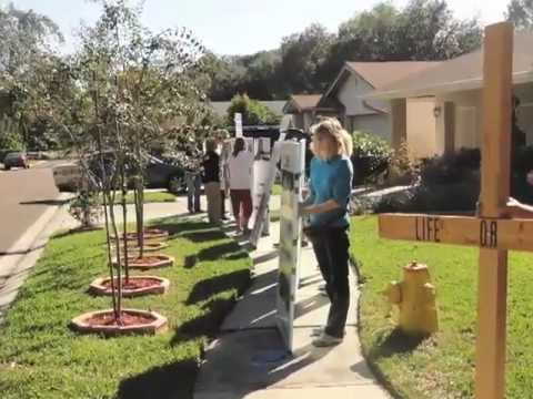 Pro-life picket of abortionist José Raul Quintana's residence - 11/12/2011