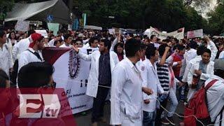 Miles de estudiantes del IPN marchan para derogar el nuevo reglamento / Pascal Beltrán