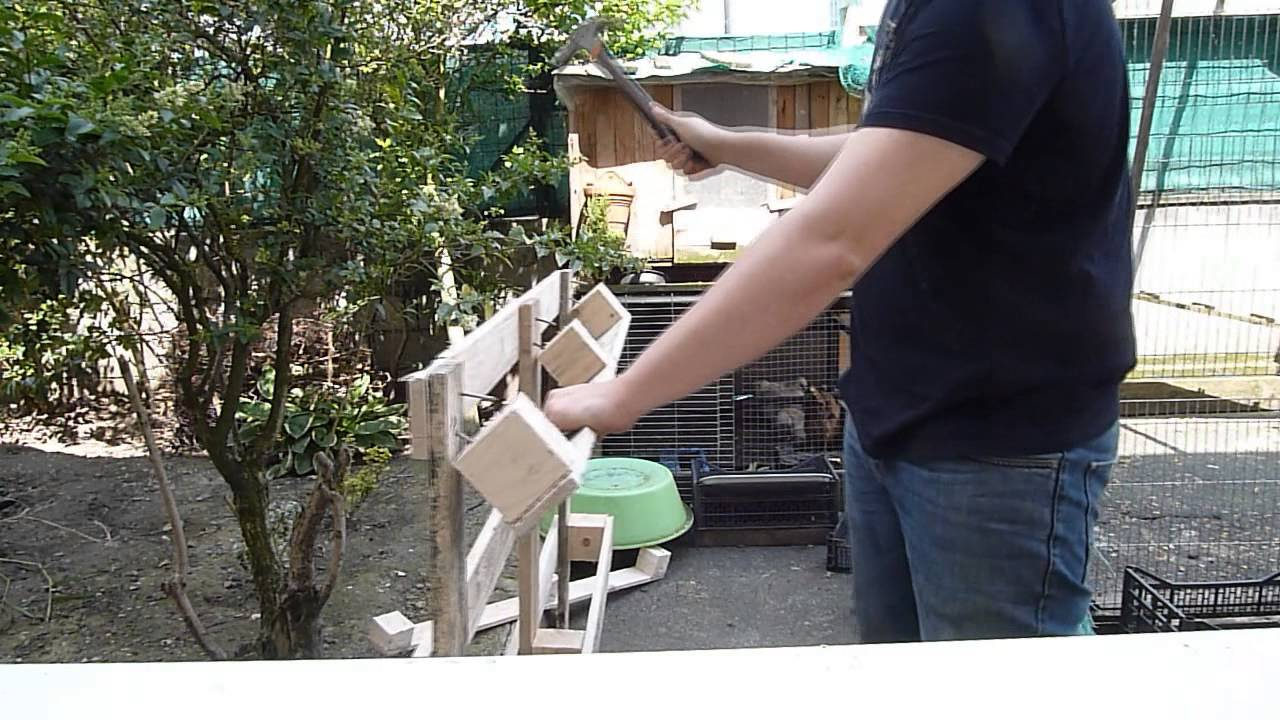 D sassembler des palettes construction d 39 une cl ture en Fabrication d une porte en bois
