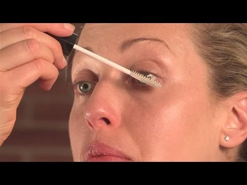 How To Apply Clear Mascara - YouTube