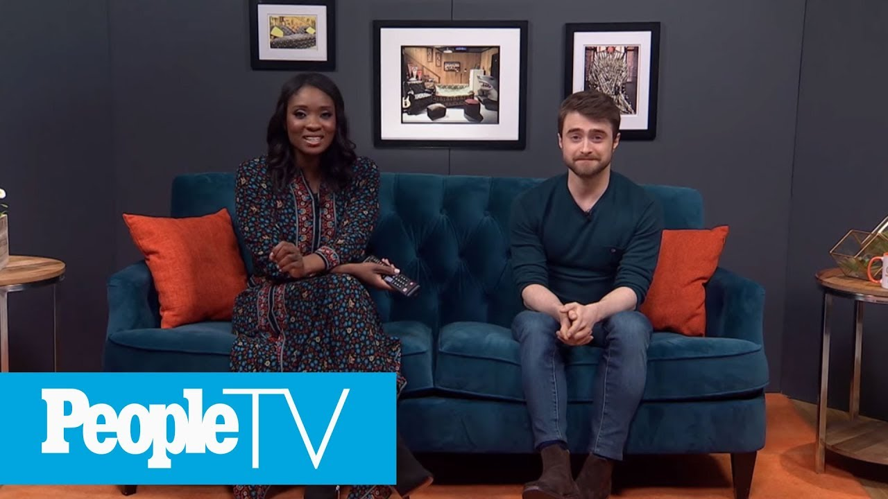 Daniel Radcliffe On The Bus Scene In 'Swiss Army Man' | PeopleTV | Entertainment Weekly