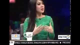 "Mata Najwa ""Pencuri Perhatian"" Bersama Syahrini"