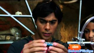 Video Power Rangers Dino Charge - Breaking Black - It takes all 5 Rangers download MP3, 3GP, MP4, WEBM, AVI, FLV Agustus 2018