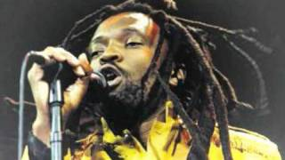 Video LUCKY DUBE REGGAEMAN download MP3, 3GP, MP4, WEBM, AVI, FLV Agustus 2018