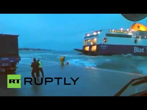 Greece: Watch HUGE ferry struggle to moor as MASSIVE waves batter Kos