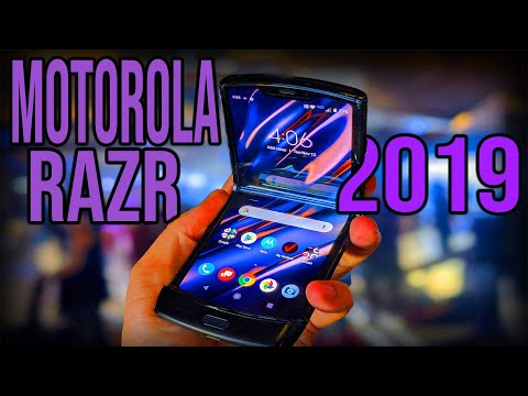 Moto Razer 2019 foldable phone Full Review The Return of a Folding Icon! We ACTUALLY Want