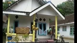 www.pojokpitu.com : Banjir Surut, Warga Mulai Bersih Bersih Rumah