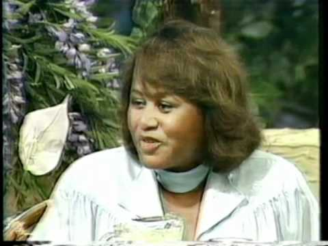 """Supremes - Cindy Birdsong (interview and song """"My Tribute"""" on the PTL show 1985)."""