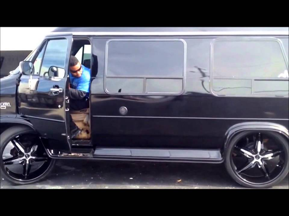 Conversion Van On 26s >> Chevy Hightop Van Bagged on 26s - YouTube