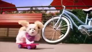 Собака Трикси на скейтборде FurReal Friends