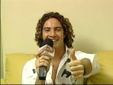 David Bisbal - ENTREVISTA / INTERVIEW en 2003