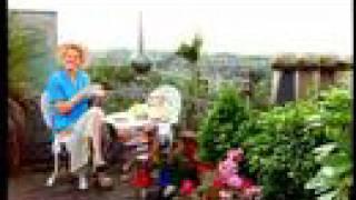 Scottish Ladies  Fight  (Glasgow Vs Edinburgh) - scotrail tv commercial