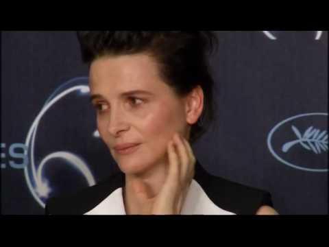 French actress Juliette Binoche in tears over Iranian filmmaker Jafar Panahi p1 May 18, 2010