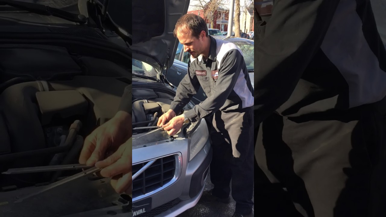 Replacing Bulb On Headlight Volvo Xc70 2008