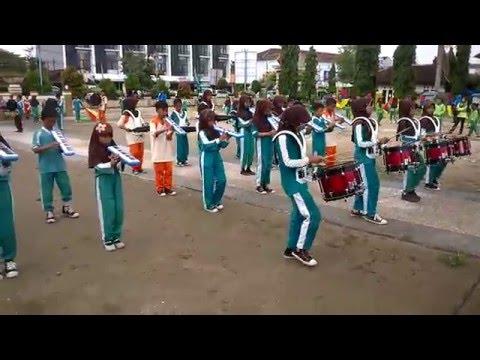 Video Druumband lagu Ada Gajah dibalik batu dari MIN 4 Pringsewu Lampung
