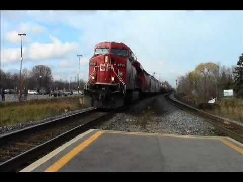 Railfanning at Streetsville GO