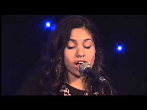 Alessia Cara | Live Cover of Sweater Weather and Halo | Top Choice Awards 2013