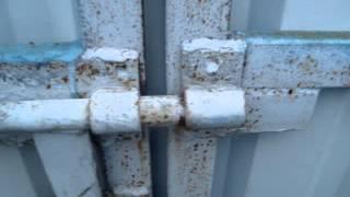 видео Ворота и забор из профнастила своими руками: фото-идеи и порядок работ