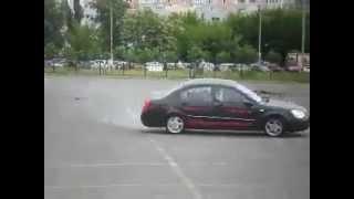 Chery Elara мастер класс вождения(Характеристики авто - http://asiaclub.com.ua/auto/Chery/Elara Все о китайских авто - http://asiaclub.com.ua/ Запчасти на китайские автом..., 2012-06-20T09:11:46.000Z)