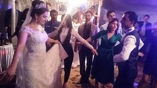 Народный ансамбль песни и танца ЕРЦАХУ на свадьбе коллег- солисты; жених и невеста,