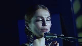 Хорошо ли Сати Казанова поёт на санскрите? Взгляд санскритолога