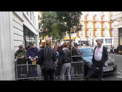 Zoe Wanamaker in London 31 10 2015 (1)