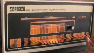 DEC PDP-8/M Video Demonstration - Simple Binary Counting Program