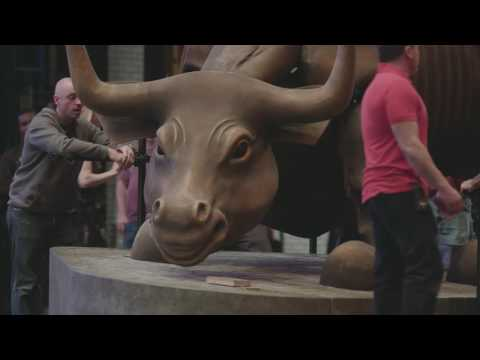 New York Spectacular Statue: Wall Street Bull
