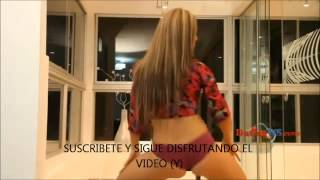 Repeat youtube video DANCE MIX CHICA SEXY BAIILANDO   2013   DJ MAXSTER ERIKA  MARQUINA