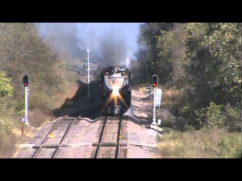 Union Pacific Challenger 3985!!!!! Eastbound Marshall, MO Part 3