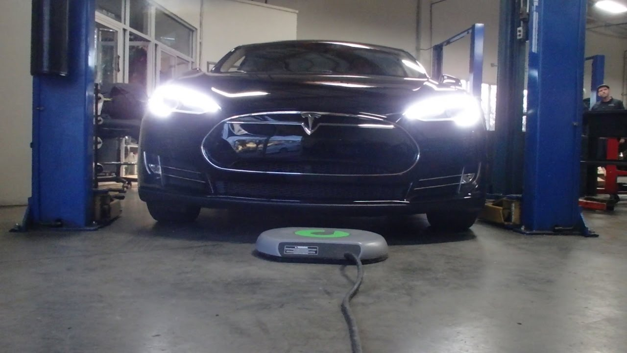 TESLA ENTHUSIAST ADDS WIRELESS CHARGING TO HIS OWN CAR IN CALIFORNIA