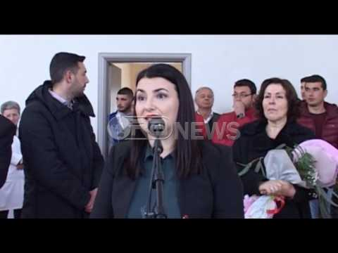 Ora News – FRESSH Vlorë, kartolinë dhe lule për çdo mësues