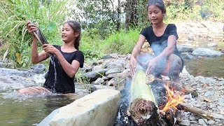 Survival skills: Find catch fish & grilled in banana for eat - Cooking fish eating delicious #1