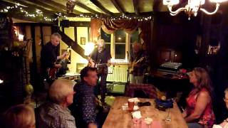 Rough Common do Stars on the Water at Open Mic at the Yew Tree