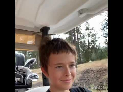 Mark Wahlberg teaches his son how to drive with a golf car😎🥰. #fatherhood  #love