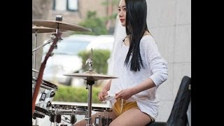 The Sensational  Female Street  Drummers of Asia! thumbnail