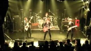2010.11.20千葉県柏PALOOZAでのライブです。 http://zilconia.com/