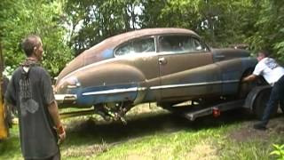 Loading up the newly purchased 1948 Buick Super Sedanette from the salvage yard
